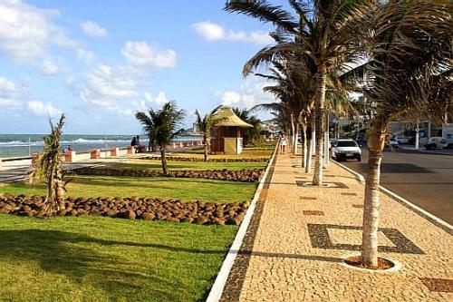 Praia dos artistas coqueiros