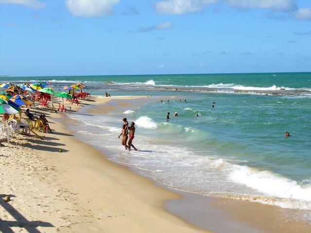 praia dos artistas ensolarada